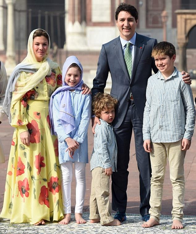 当地时间2月17日,加拿大总理特鲁多携家人访问印度。(图片来源:《每日邮报》)