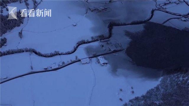 """视频   奥地利山村上演""""圣诞奇迹"""" 巨大山体滑坡擦肩而过无人员伤亡"""