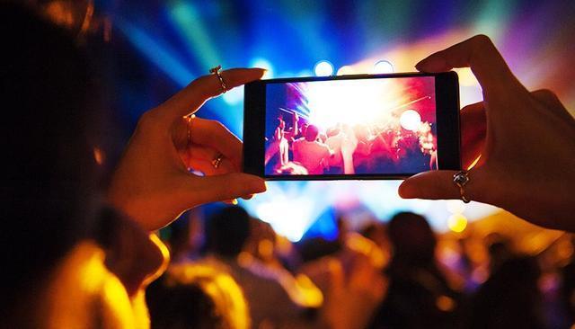 《despacito》,而国内的典型案例则是抖音短视频歌曲在多个在线音乐