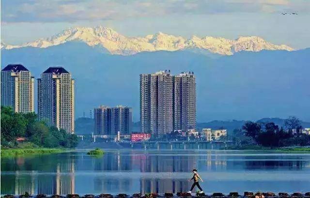 崇州gdp_未来10年,重庆GDP达到2万亿,人均1万美元,主城人口超过1000万 第3页