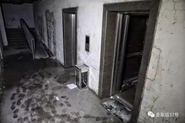 ▲失火公寓楼地下一层电梯。 新京报记者 王嘉宁 摄