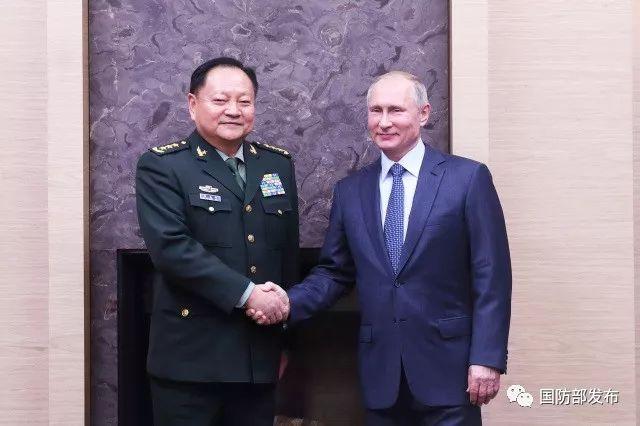 12月7日下午,俄罗斯总统普京在莫斯科会见了到访的中共中央政治局委员、中央军委副主席张又侠。