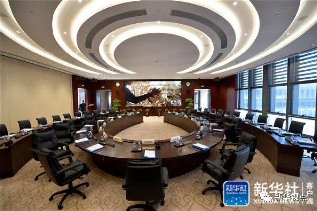 这是亚洲基础设施投资银行总部大楼内的董事会会议室(2016年1月17日摄)。新华社记者 李鑫 摄