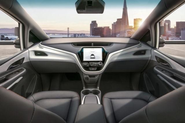 通用汽车计划在2019年推出这款改良的Chevy Bolt,在无人驾驶出租车服务中使用