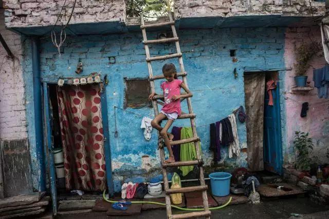 ▲遭受营养不良和卫生疾病的印度儿童(来源:国家地理杂志)