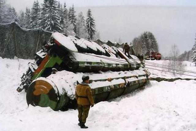 铁路机动导弹当然就不会发生这种事情了。