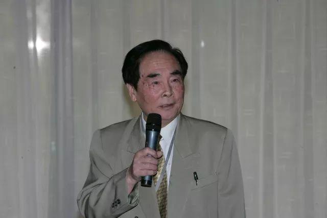 2017年国家最高科学技术奖获奖者 :医学病毒学专家侯云德