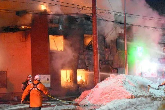 新闻早班车丨日本为穷困者提供的住宅发生火灾 11人遇难