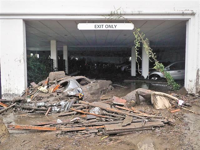 美加州泥石流13人死亡