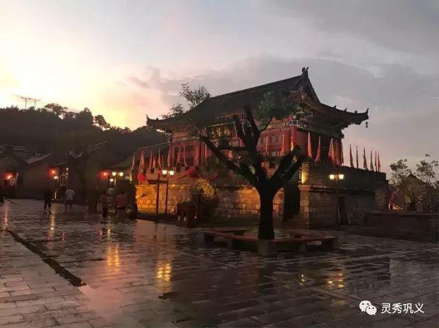内容:灯光展 26 郑州双鹤湖中央公园 时间:2月8日至2月10日 庙会灯会