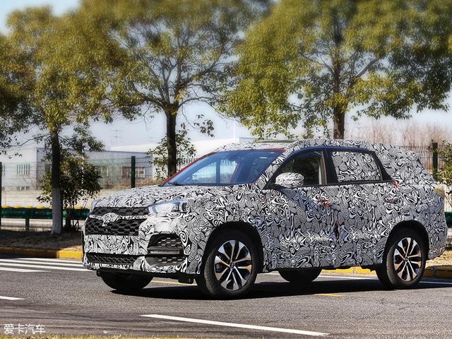 奇瑞全新中型SUV T18实车图 上半年上市