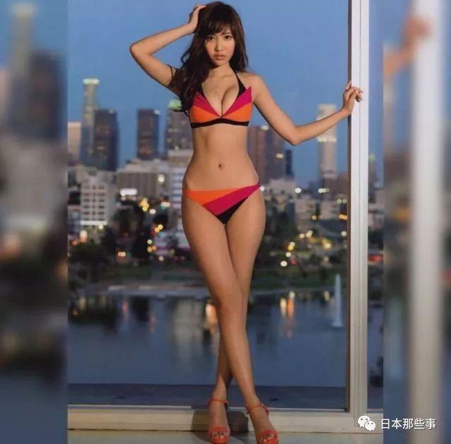 最瘦的只有49cm! 这些女星的腰比我们腿还细