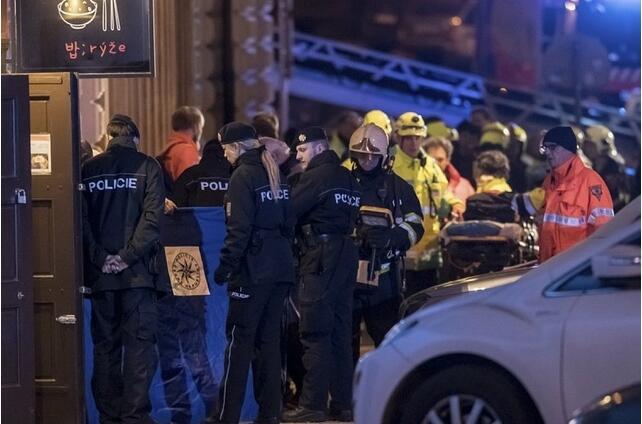 真人娱乐官网:捷克首都布拉格一座4星级酒店起火