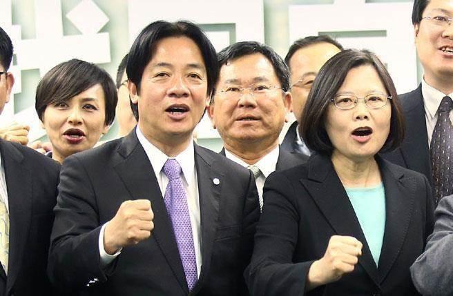 """台湾地区领导人蔡英文与""""行政院长""""赖清德(图片来源:""""中时电子报"""")"""