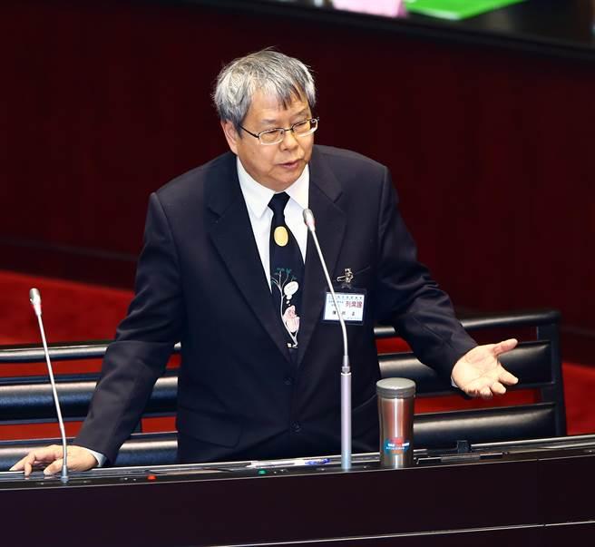 陈师孟(来源:中时电子报)