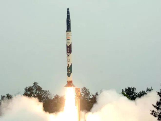 """▲印度""""烈火""""-1导弹(《今日印度》)"""