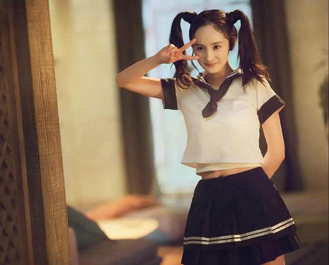 """女星被喊""""阿姨""""反应大不同 刘涛范冰冰表情尴尬"""