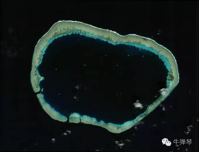 上图是2012年1月24日美济礁照片,应该是填海种岛前。