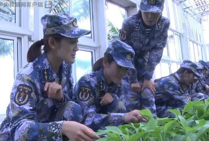 中国海军南沙守礁部队首迎女兵 都是90后大学生(图)