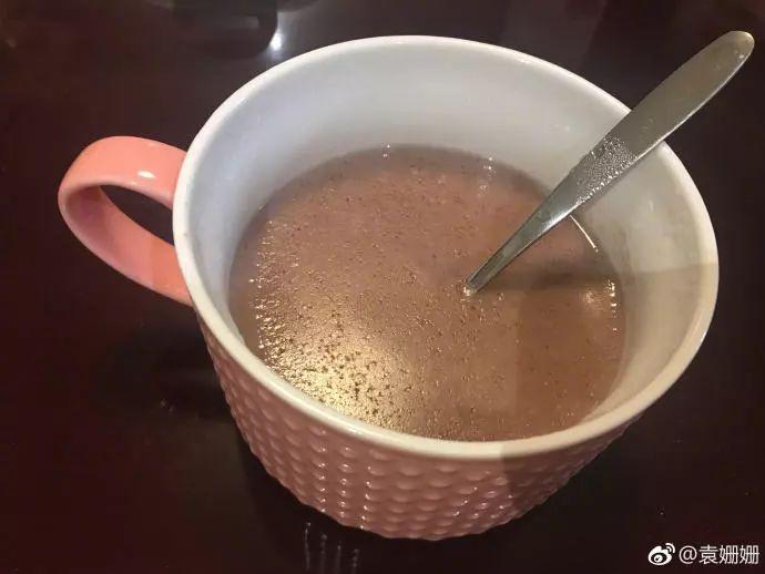 袁姗姗晚餐只喝一杯酸奶,杜江更狠,只吃一把盐!明星减肥食谱我