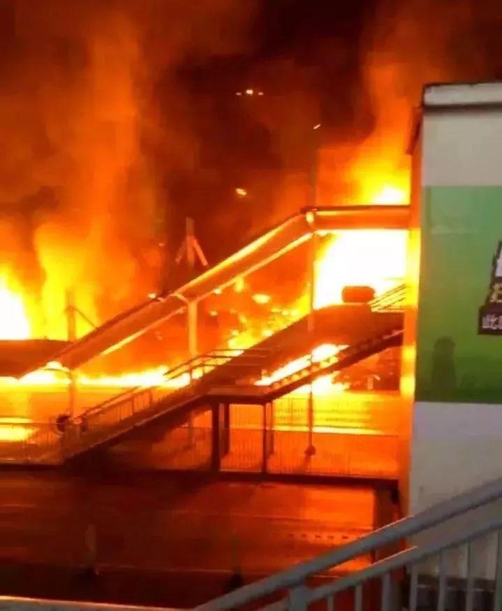 长沙南站西广场火灾,竟是因这个常见的小动作,他因此被行拘!