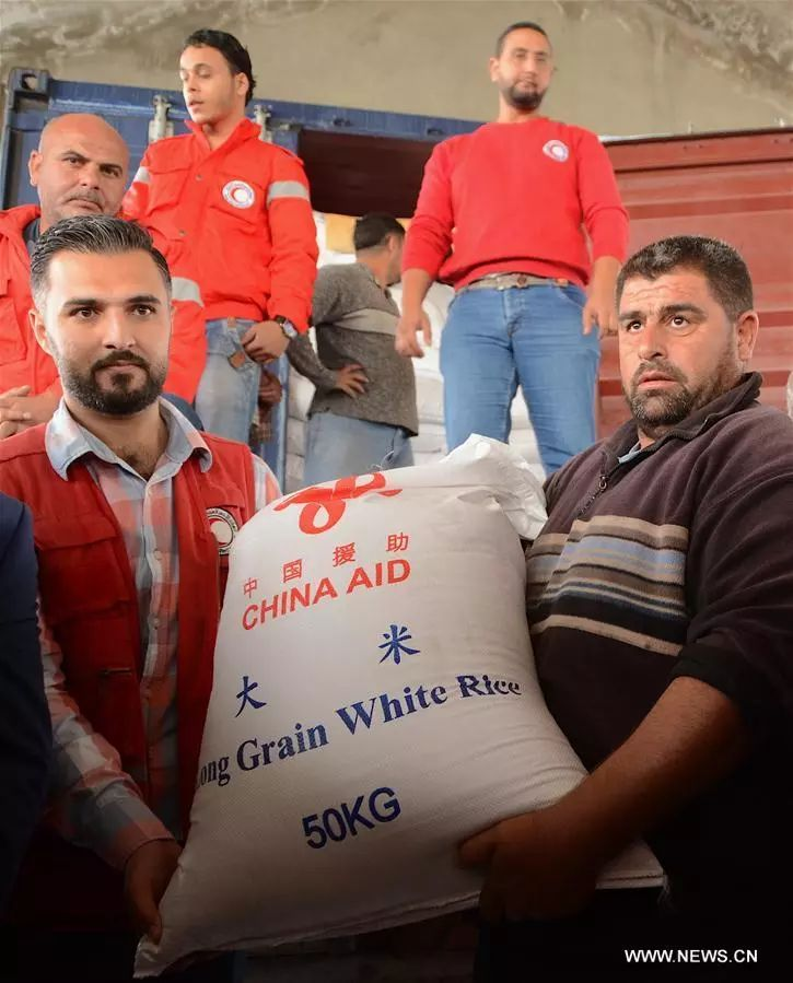 ▲2017年11月20日,中国支援年夜米运抵叙利亚东南都会拉塔基亚。