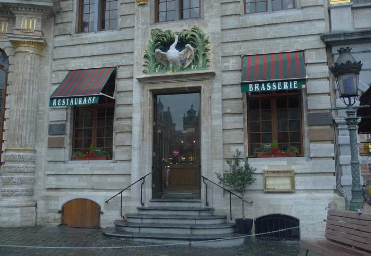 位于比利时布鲁塞尔的天鹅咖啡馆。马克思、恩格斯曾在这里构思、撰写《共产党宣言》。