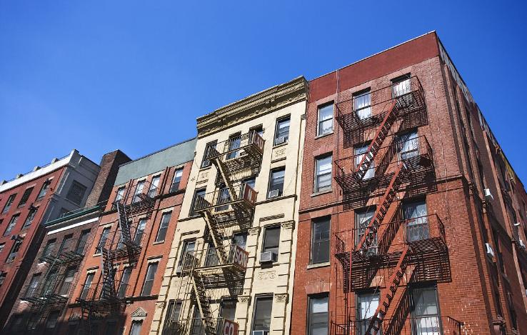 纽约华裔老人频遭骚扰 邻居:就欺负你不懂英文