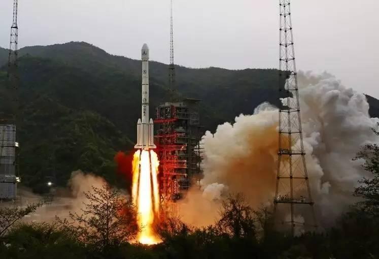 中国首颗高通量通信卫星实践13号投入使用