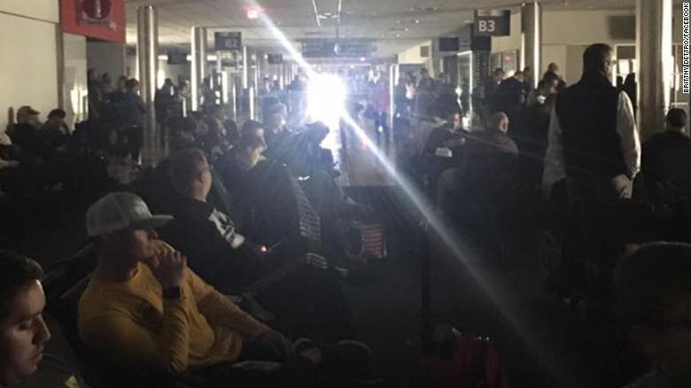 美国亚特兰大机场突发停电 或影响全世界空中交通