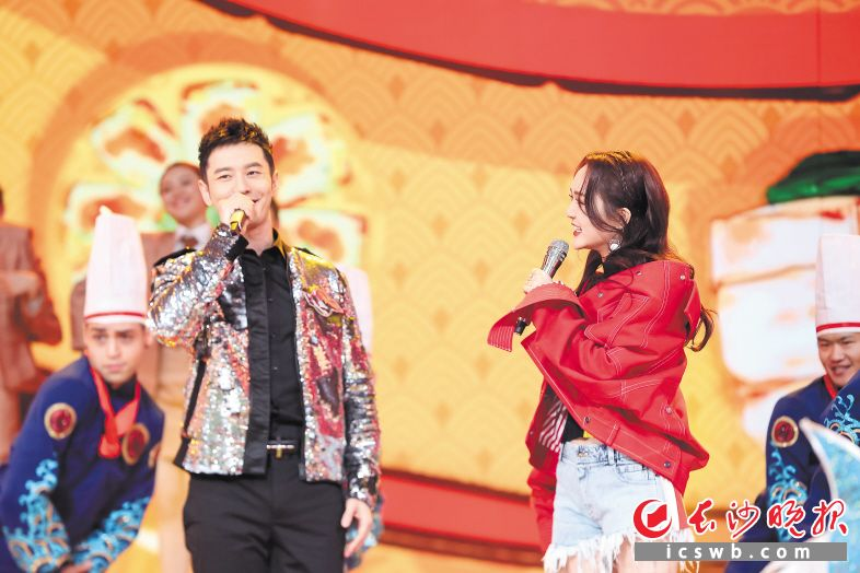 黄晓明呼吁回家过年陪伴父母:忙不是借口