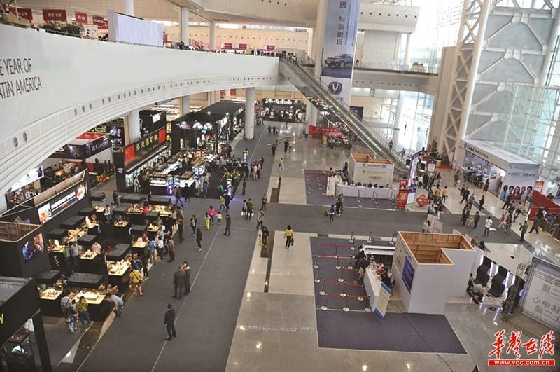 论坛上发布的,长沙市今年举办的展览个数预计为210个