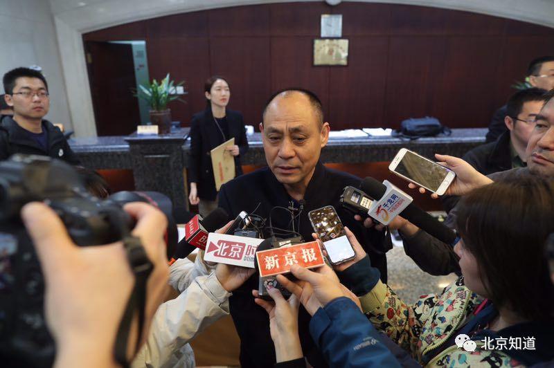 王全接受媒体采访,谈乡村振兴。
