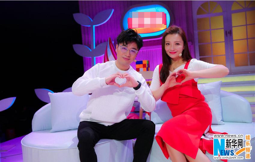 王铮亮与孙茜同上亲子节目 倡导孩子安全出