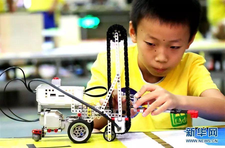 ▲资料图片:青少年AI人工智能设计大赛苏州开赛。