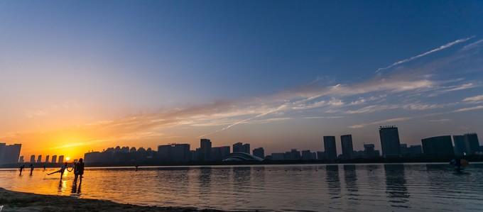 天鹅湖黄昏