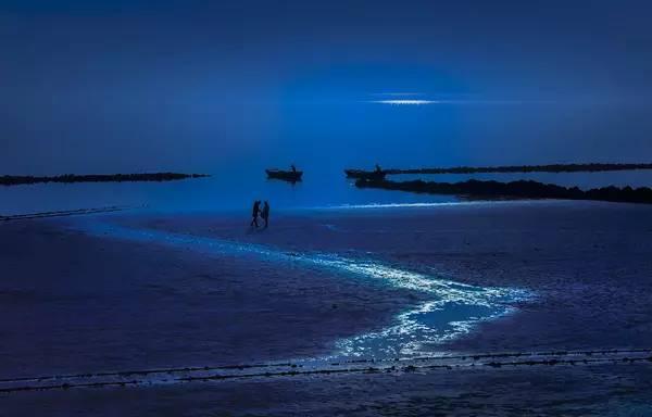 月光里 摄影:黄晓峰