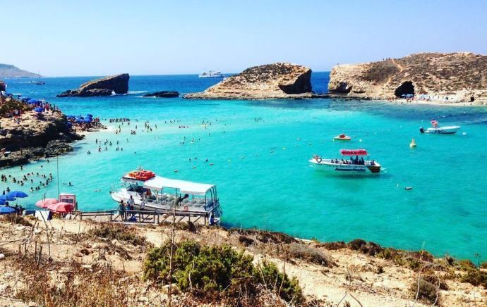 科米诺岛,马耳他最小的有人居住的岛屿