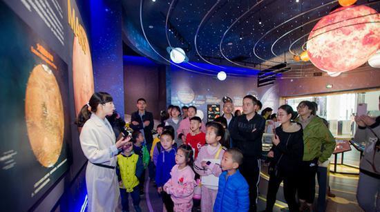 湖南省地质博物馆今迎首批游客