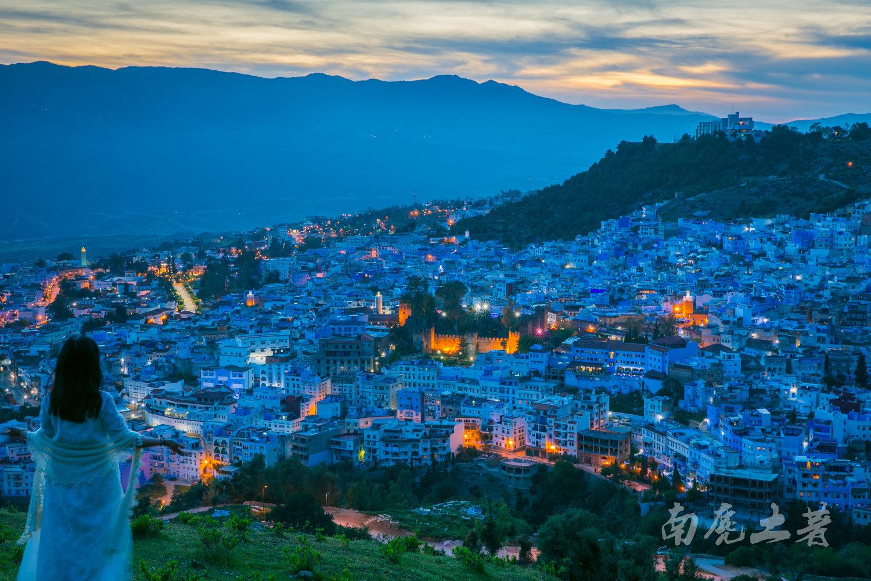 这个非洲的蓝色之城 实在太浪漫