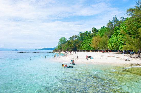 马来西亚 沙巴 正文    东姑阿都拉曼海岛公园的五座海岛中,沙比岛,马
