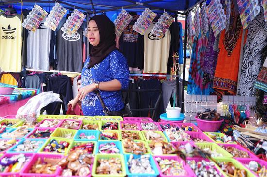 走走逛逛 马来西沙巴的周日集市