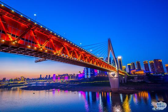 两天一夜打卡重庆两个网红景点