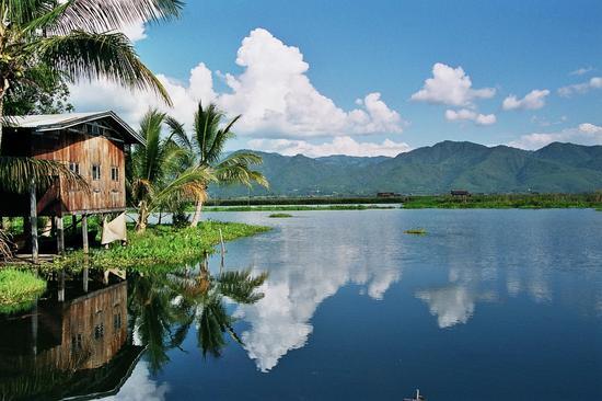 这个世上最美的水上村落,吃喝