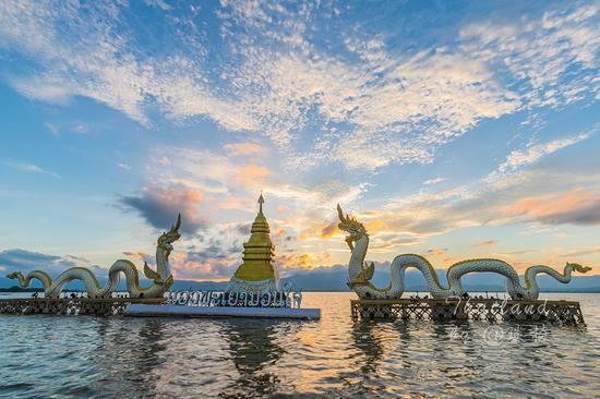 """这里被称为""""泰国最鲜为人知的秘境"""",水下还沉睡着一座百年古城"""