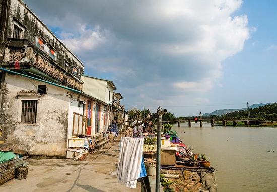 这里是《让子弹飞》中的鹅城,也是广东第一侨乡