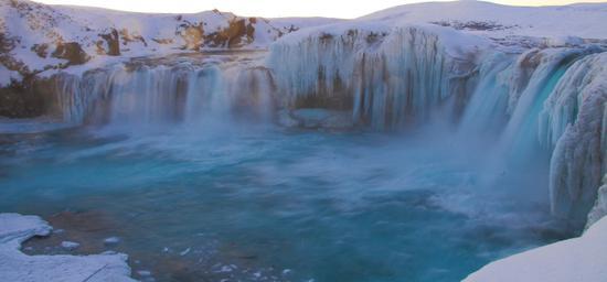 冰岛最北的冰雪小镇 阿库雷里