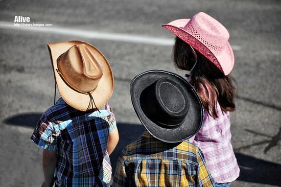 【枫情加拿大】硬汉与辣妹:实拍卡尔加里牛仔节100年庆典