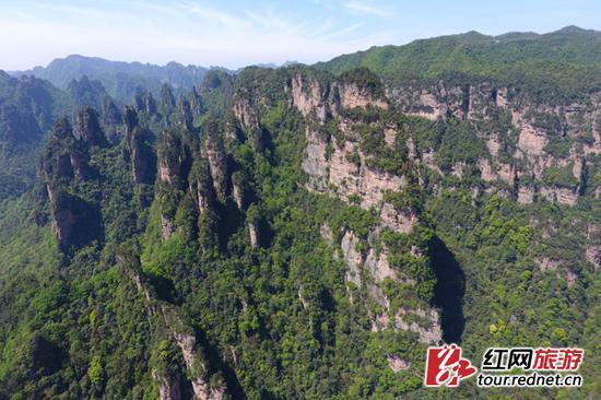 航拍的世界自然遗产湖南张家界武陵源风景区。