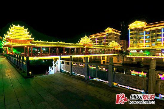 通道县城夜色 摄影:杨祖广